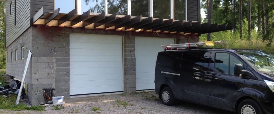 H Bygg & Kakel Åkersberga garage